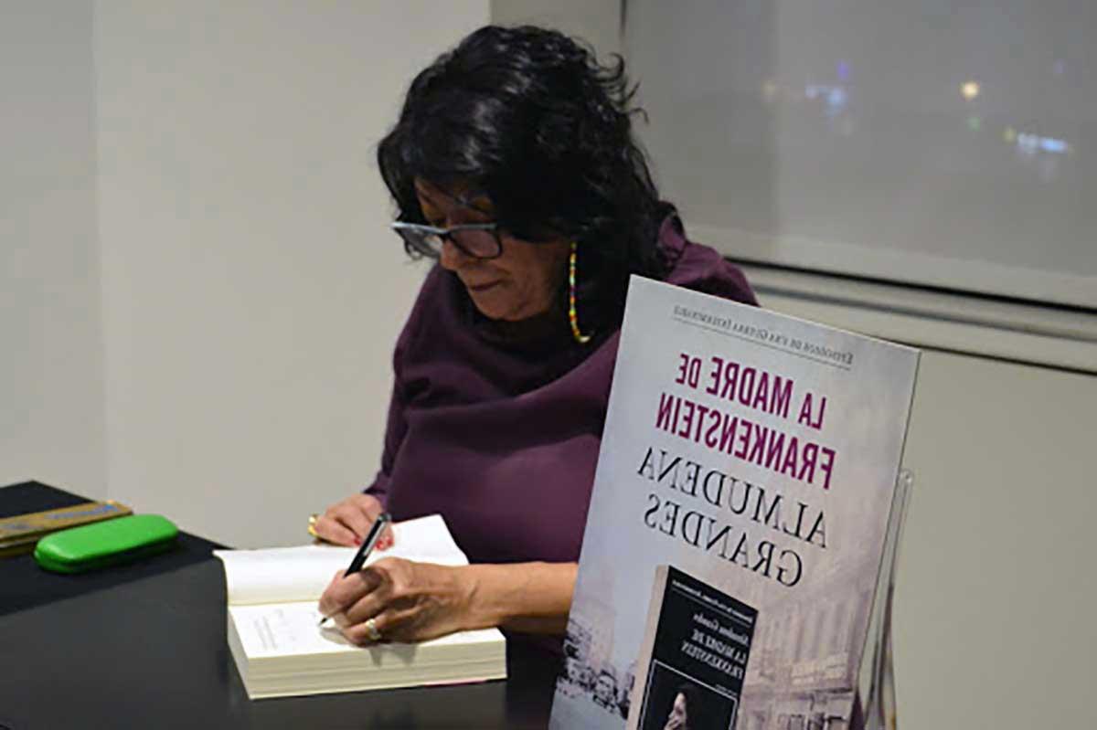 la madre de frankenstein libro